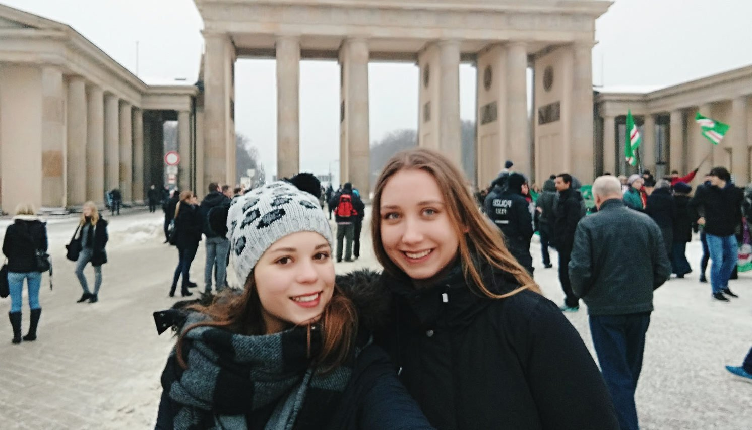 travel to berlin with friends